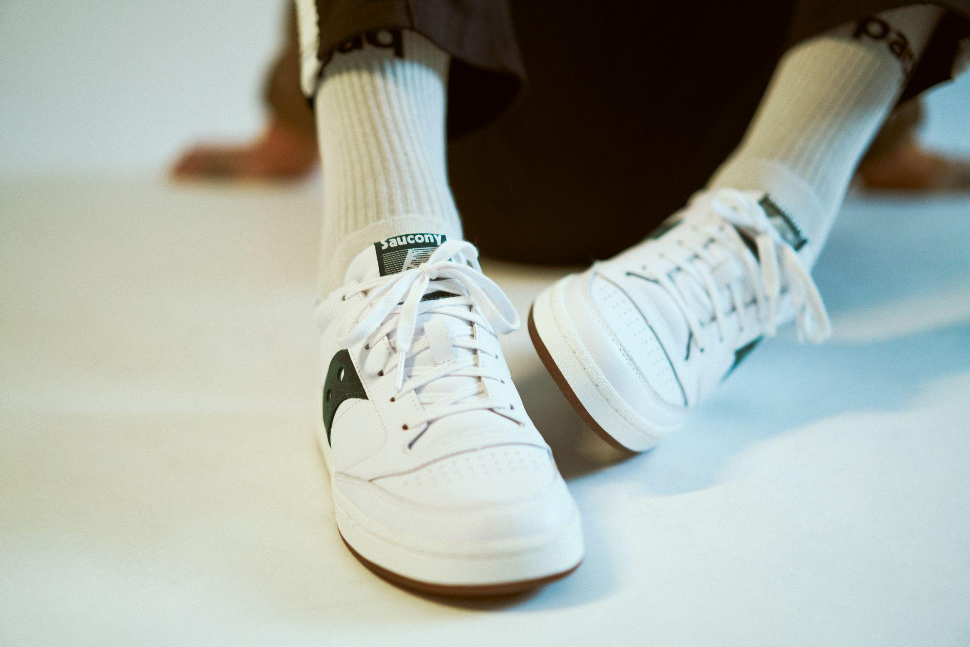 Saucony Jazz Court - white/green - S70555-8 - on feet