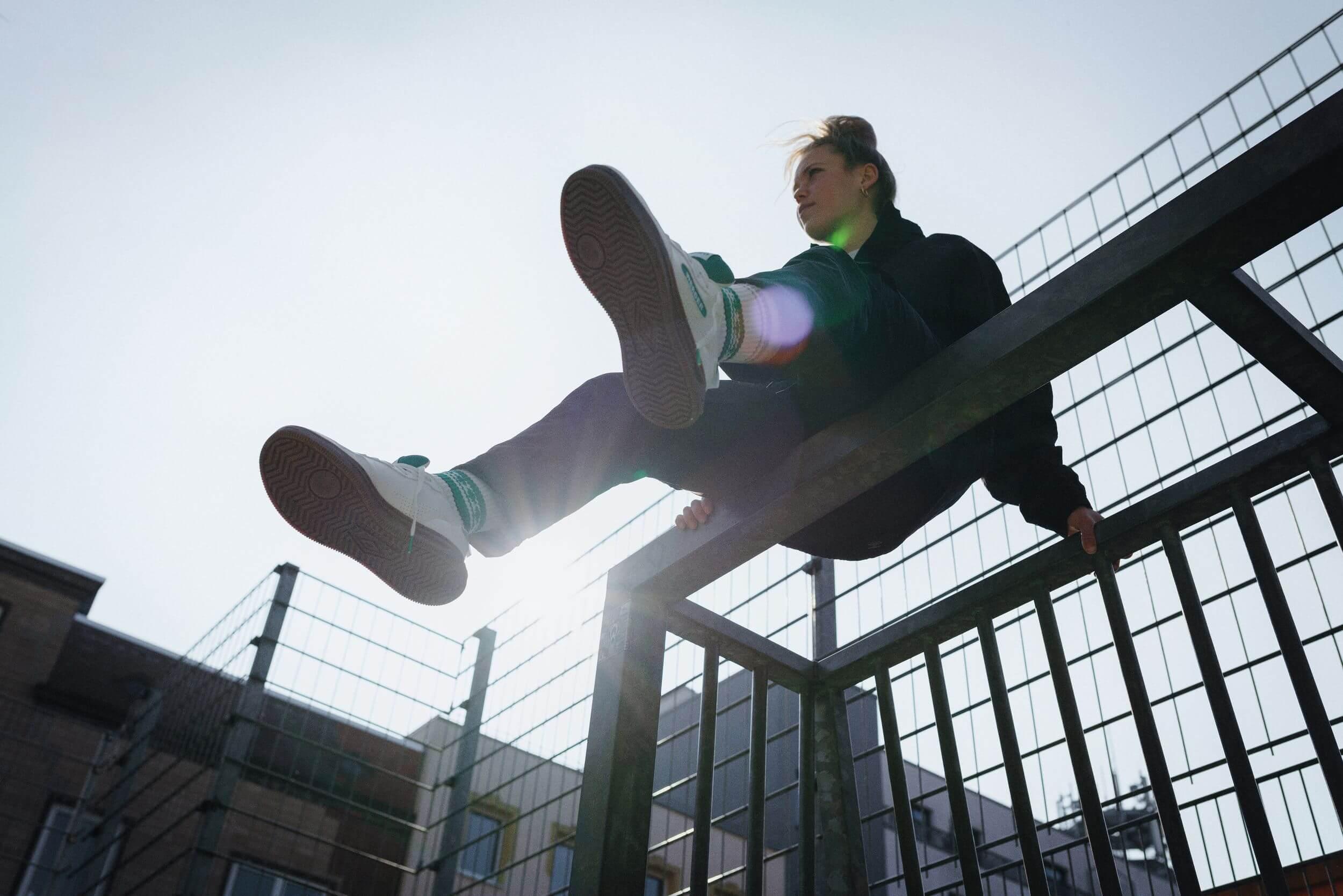Margarita Gidion mit dem Glückstreter, Umbro, Werder Bremen Highway WB Sneaker