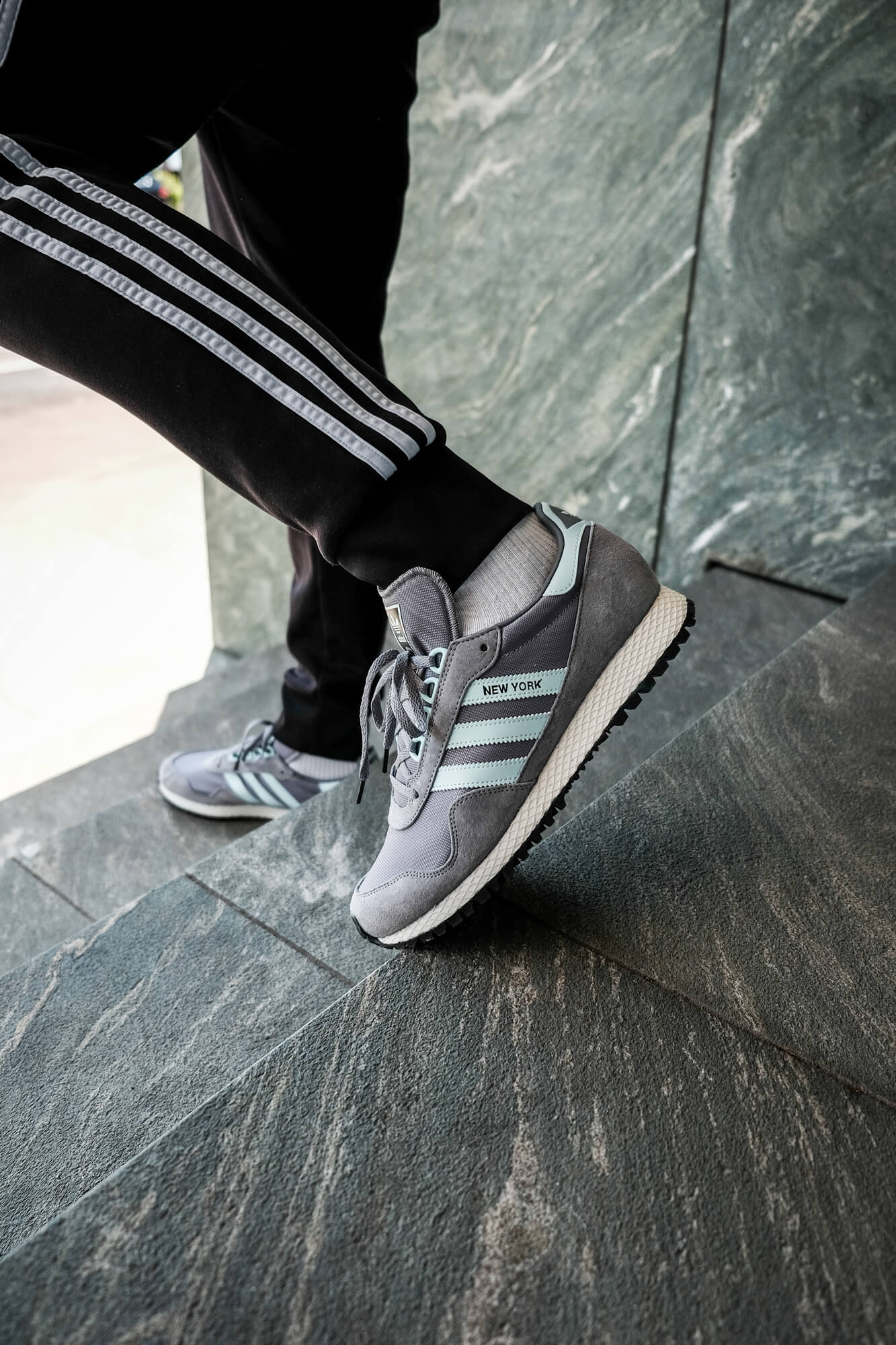 """on feet look - on feet photo of the adidas - New York """"almost"""" OG - grey/halo blush/core black - GY0234"""