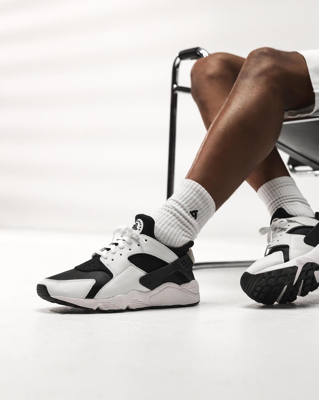 "on feet photo of the Nike Air Huarache OG ""Orca"" - black/white/black - DD1068-001"