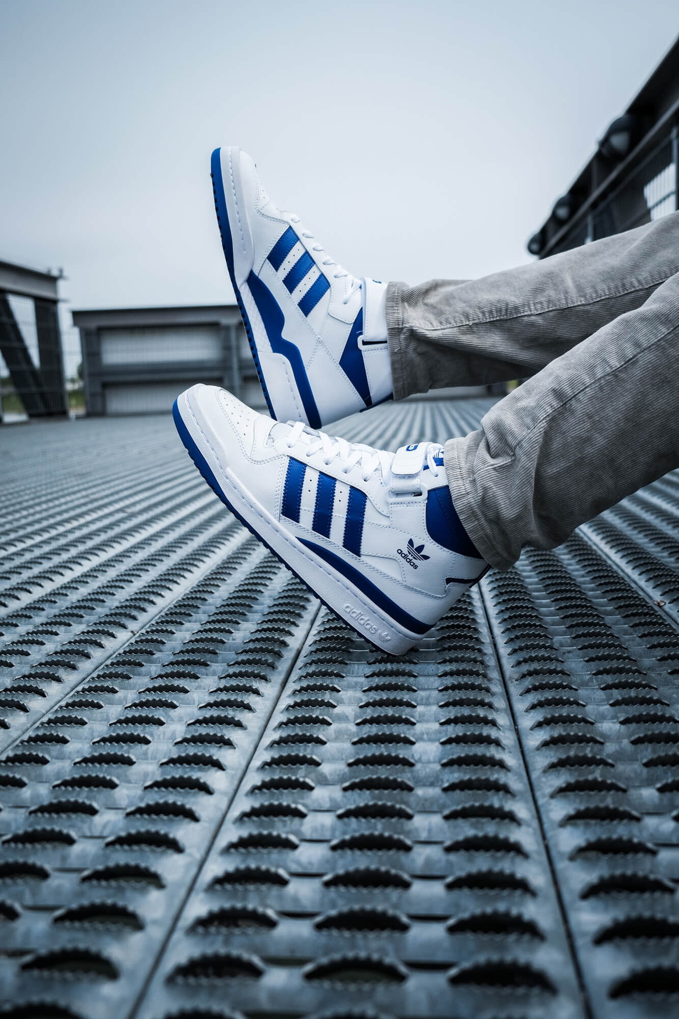 on feet photo 2 of the adidas Forum Mid - footwear white/royal blue - FY4976