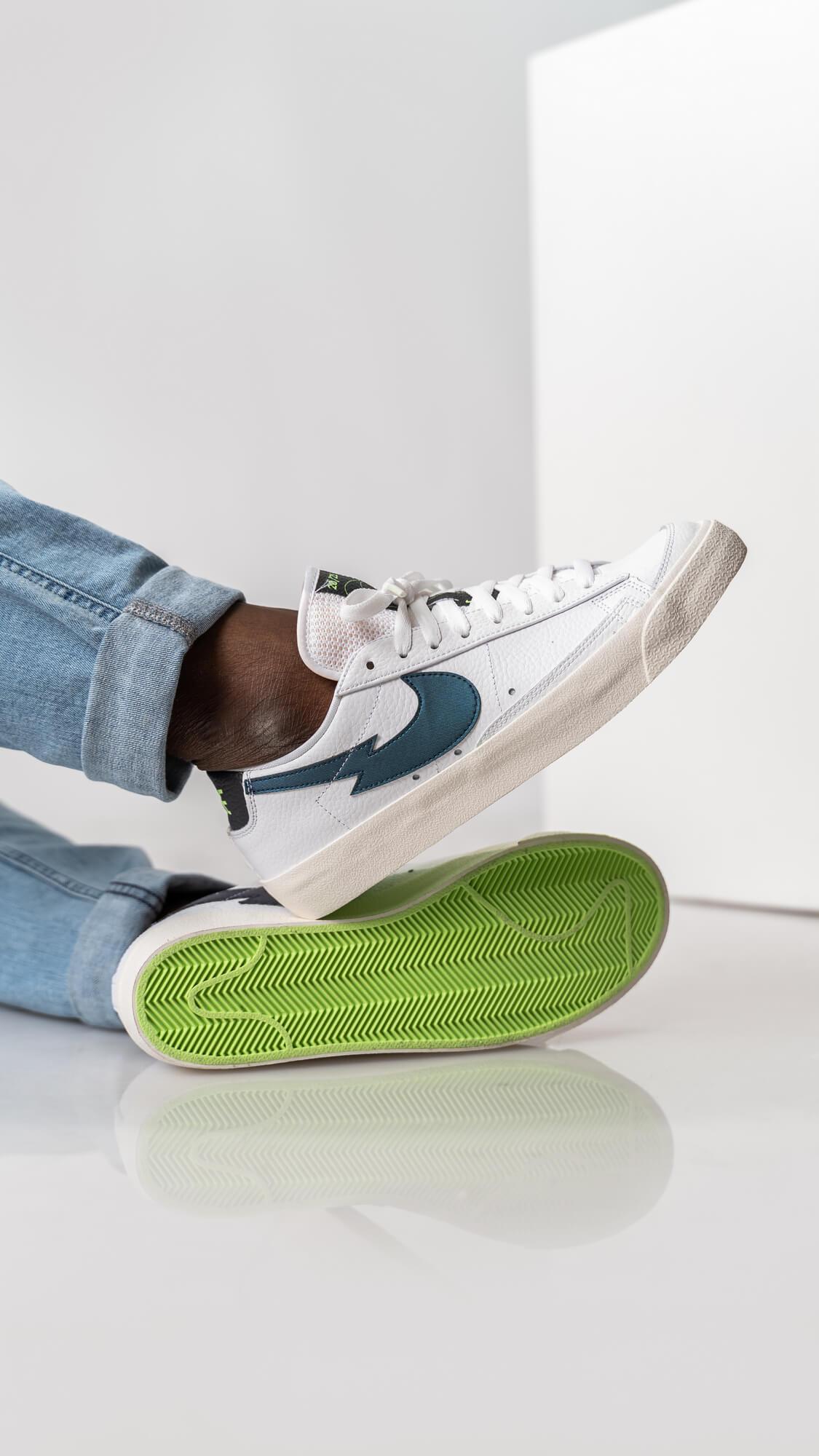 "on feet - Nike Blazer Low - ""Lightning Bolt Swoosh"" - white/aquamarine/lime glow/off noir - DJ6895-100 zickzack"