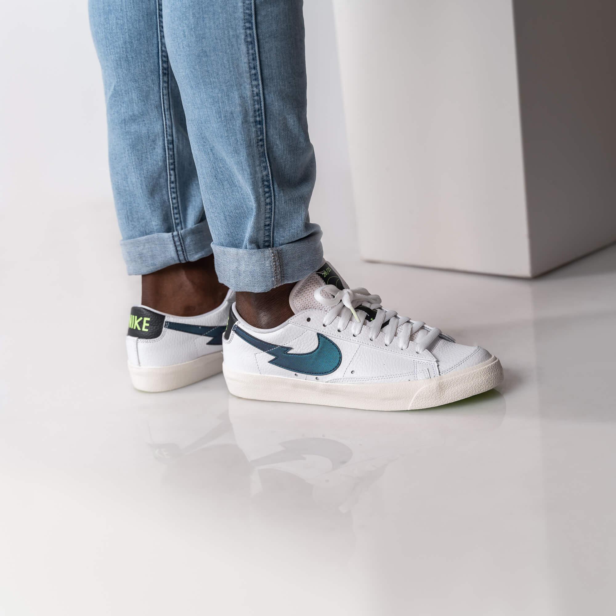 "on feet photo 2: Nike Blazer Low - ""Lightning Bolt Swoosh"" - white/aquamarine/lime glow/off noir - DJ6895-100 zick zack swoosh"