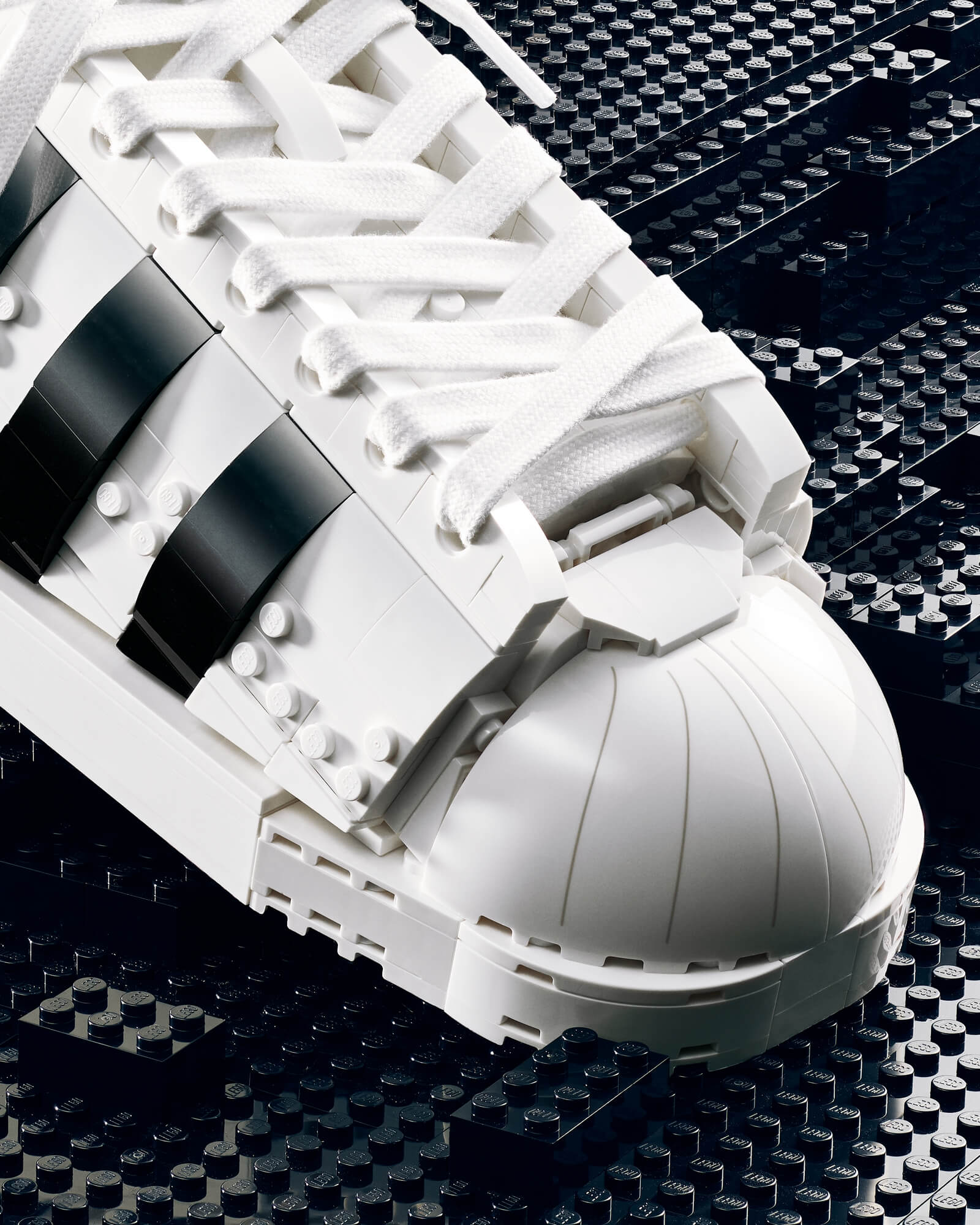 Details of the Toebox - LEGO x adidas Originals Superstar buildable kit