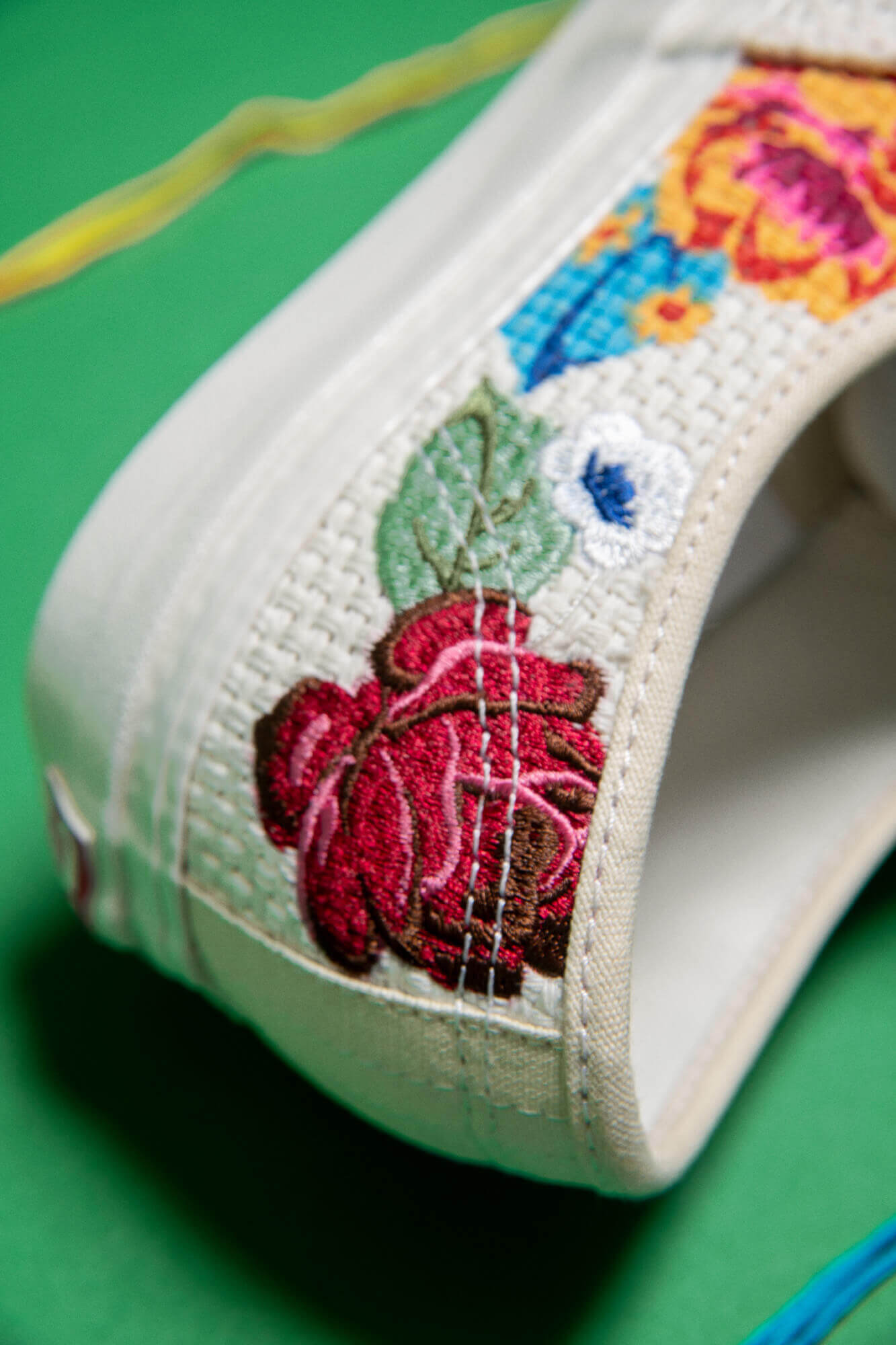 details floral embroidery - Vans - Anaheim Factory - Needlework Collection - Authentic 44DX