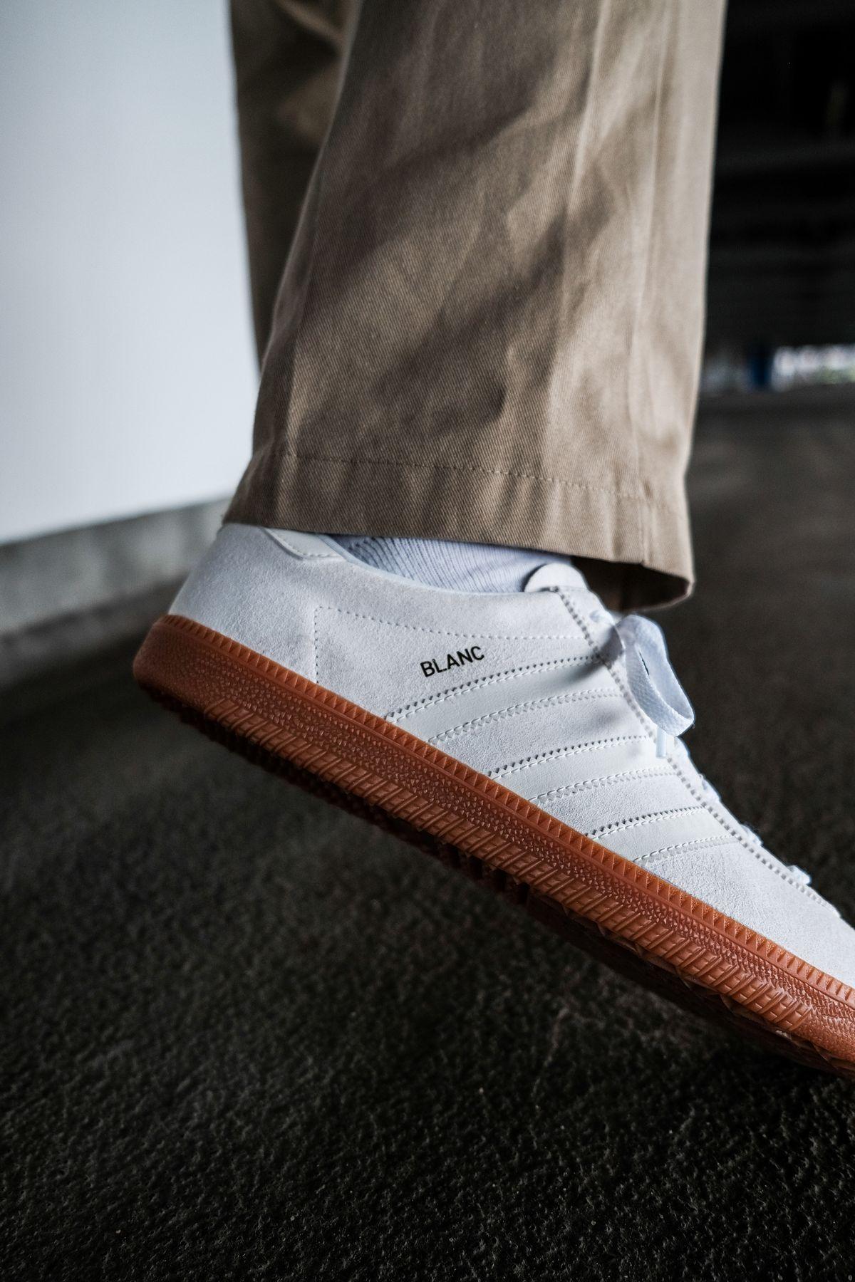 adidas Originals - Blanc - cloud white/off white/gold metallic - H01800