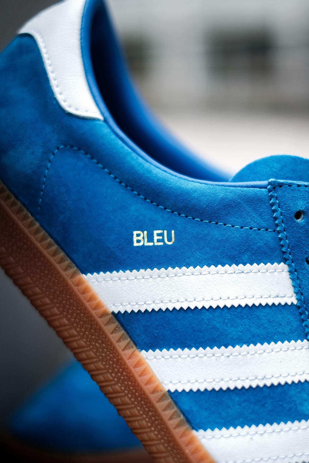 close up - gold foil bleu - adidas Originals - Bleu - bright blue/cloud white/gold metallic - H01798