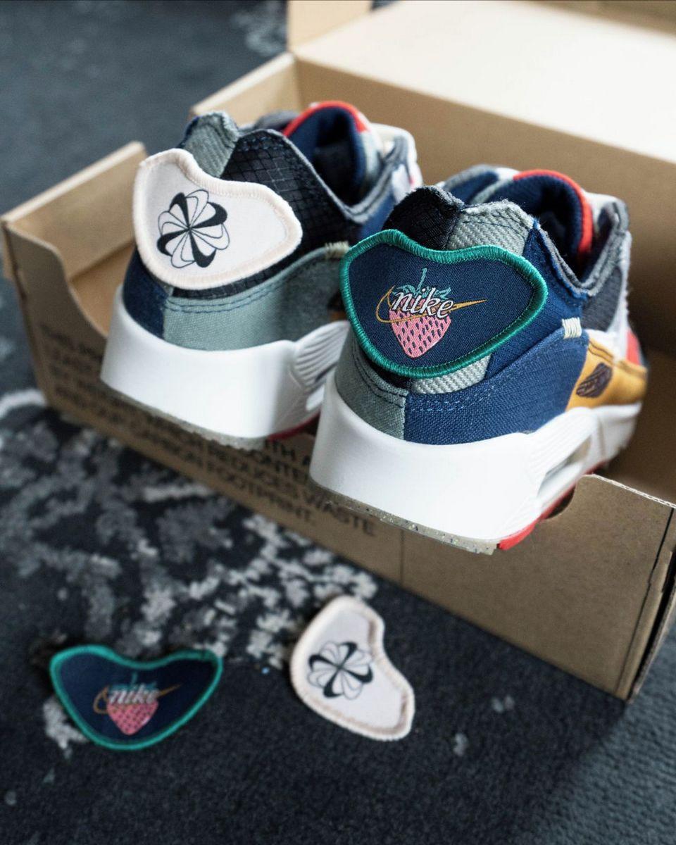 "heel details of the Nike - Wmns Air Max 90 - Quickstrike - ""Scrap"" - DJ4878-400"