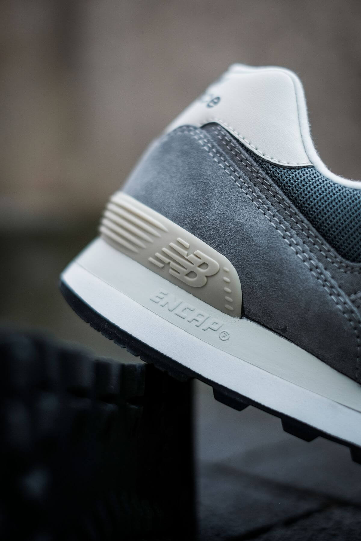 heel details with ENCAP Technology f the New Balance - 574 History Class Pack - ML574BA2 - grey