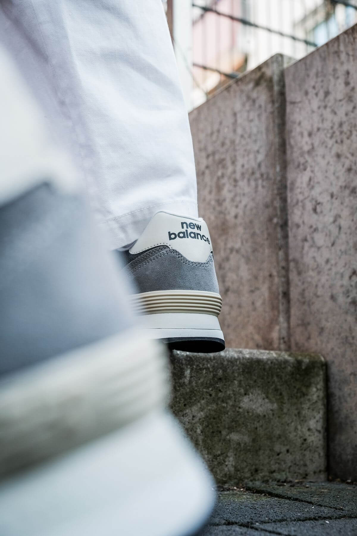 on feet photo of the New Balance - 574 History Class Pack - ML574BA2 - grey