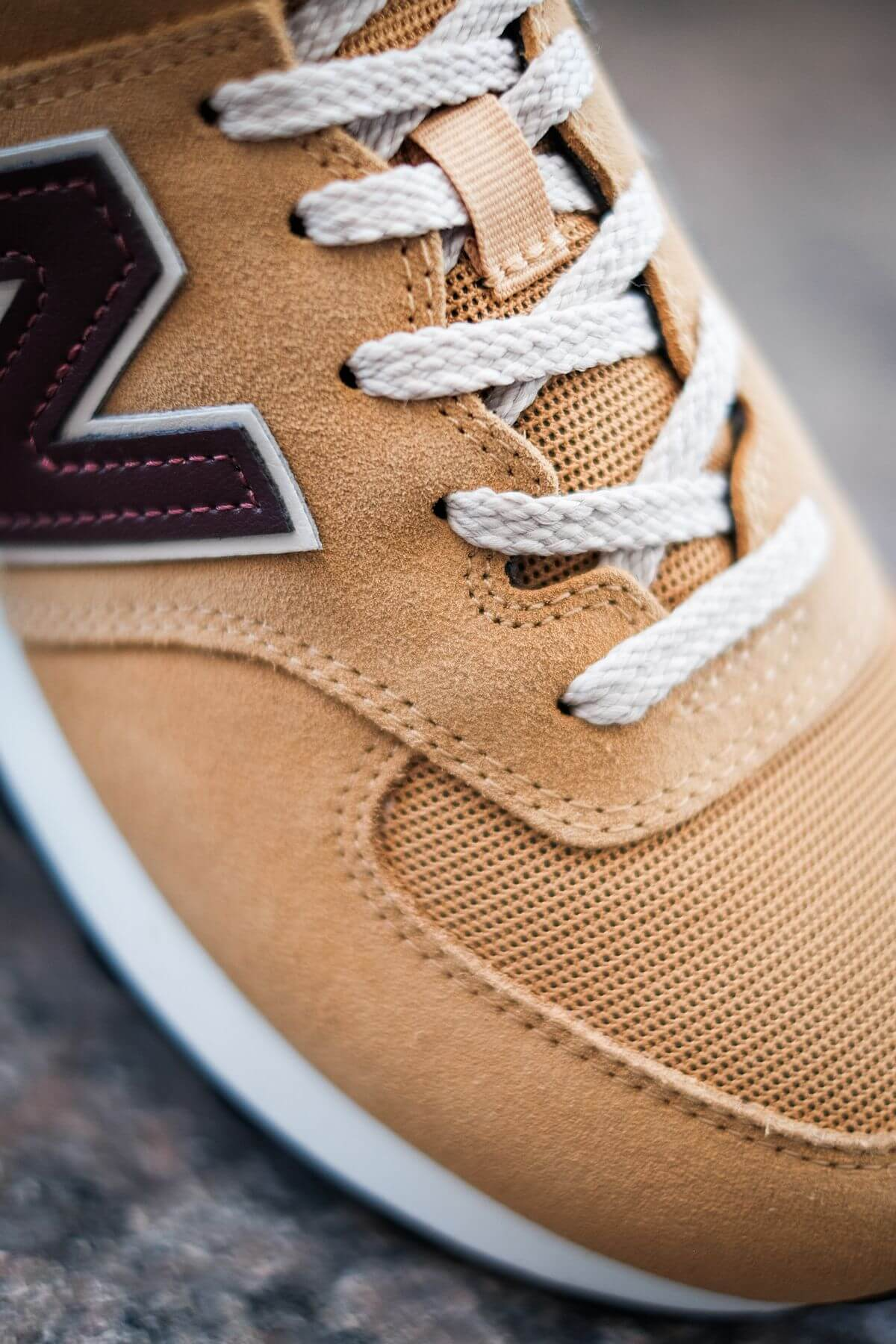 lace details of the New Balance - 574 History Class Pack - ML574BF2 - brown