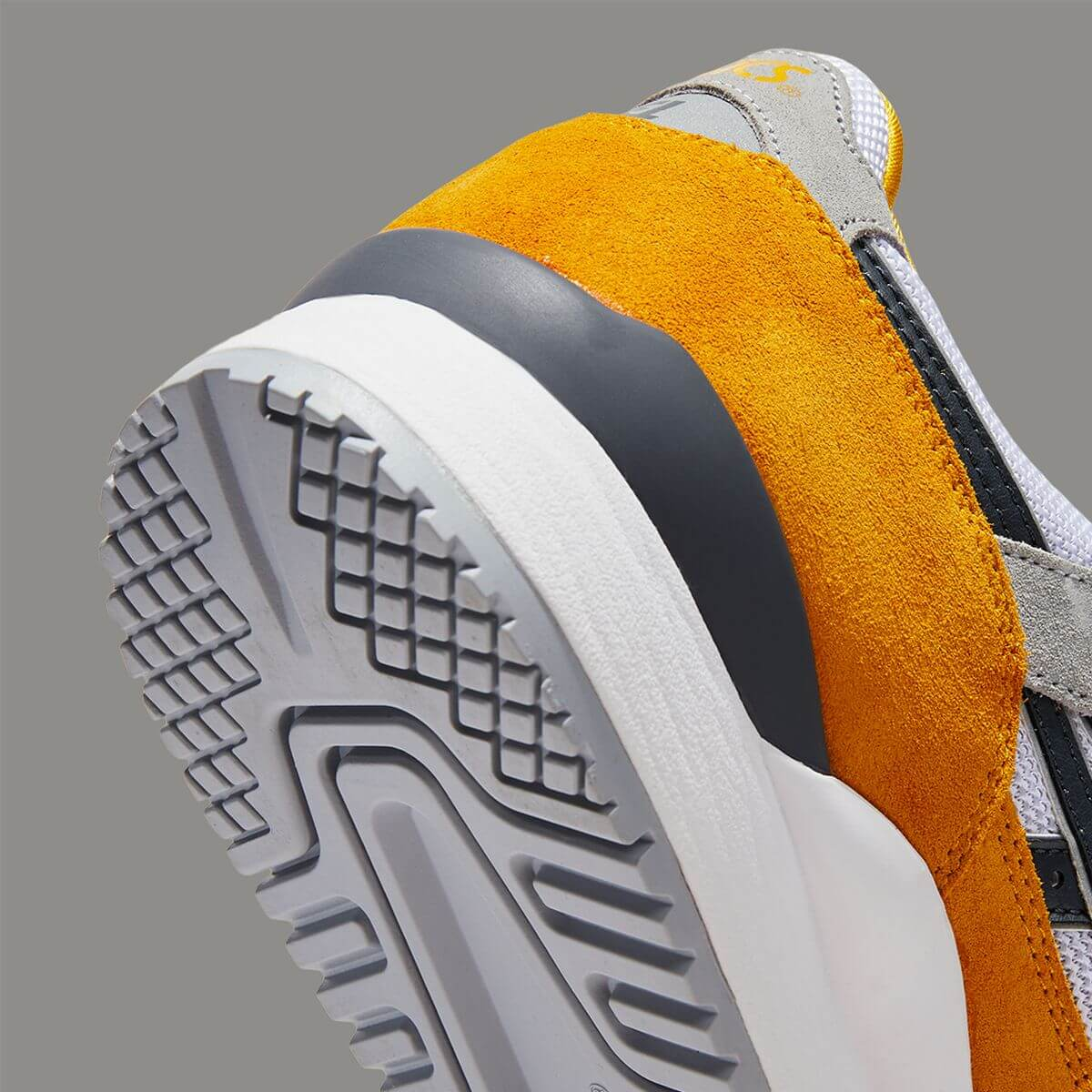 heel details of the ASICSSportStyle - GEL-LYTEIIIOG - sunflower/carrier grey - 1201A482-800