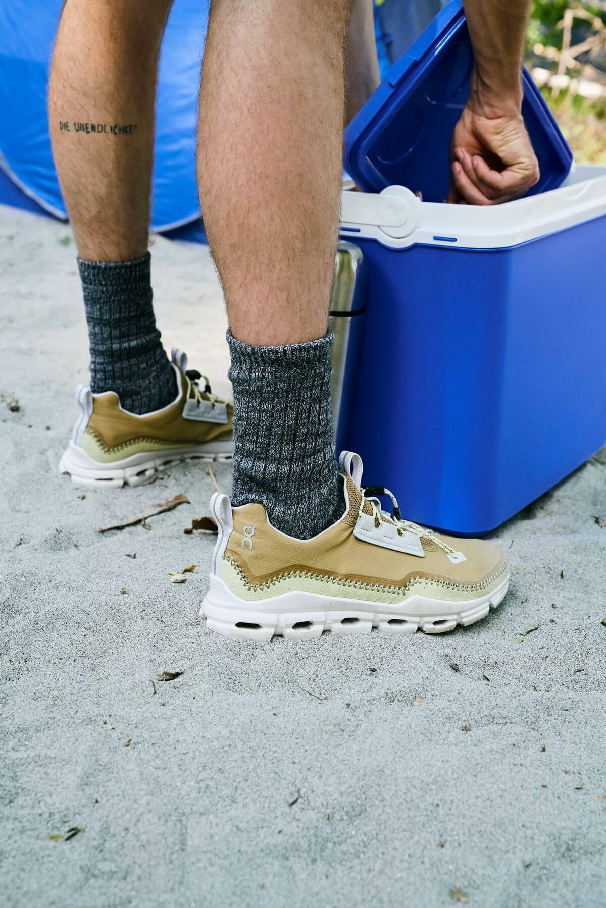 on feet - On Cloudaway - ein Hybrid-Outdoor-Schuh/Sneaker