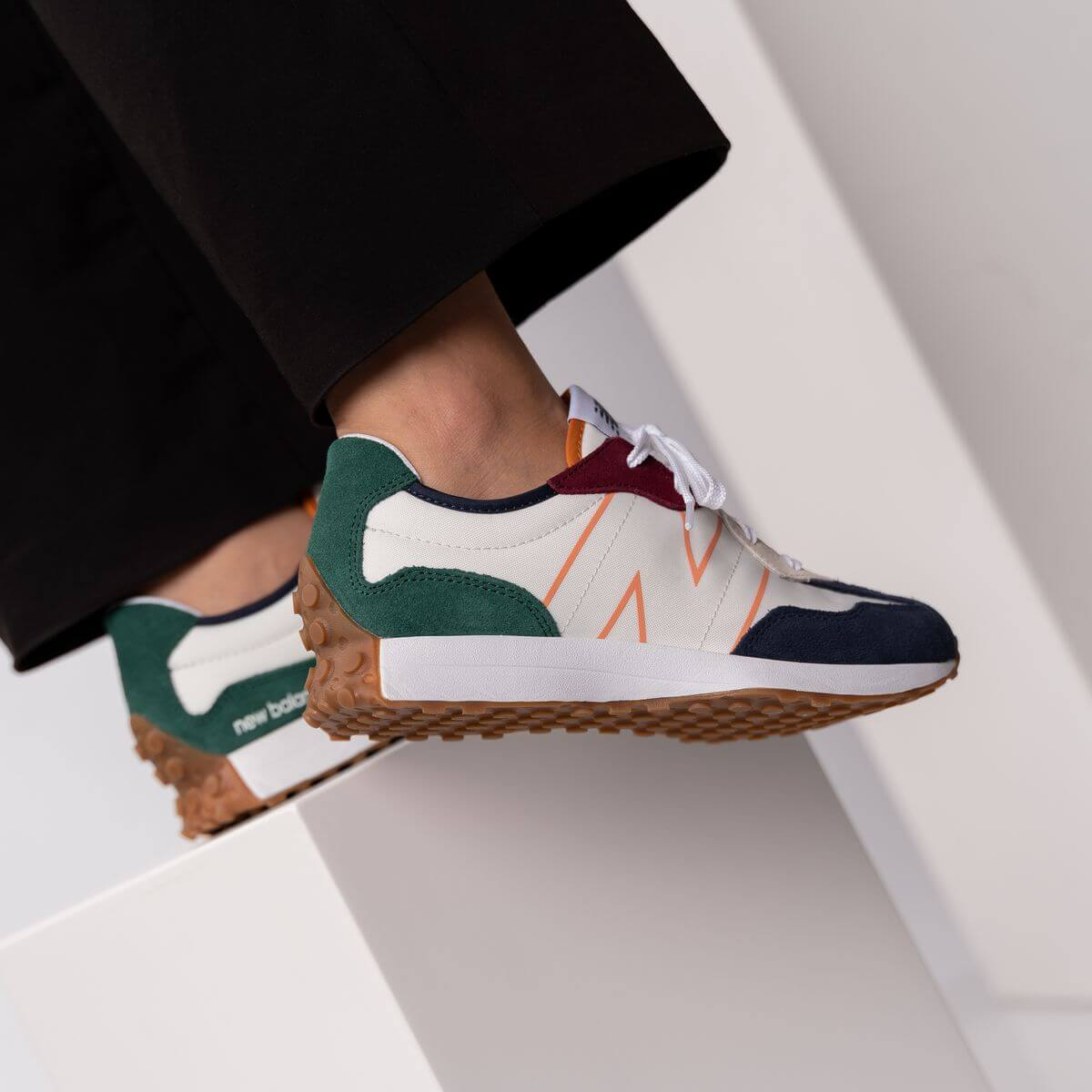 New Balance - GS327HH1 - white/green/red