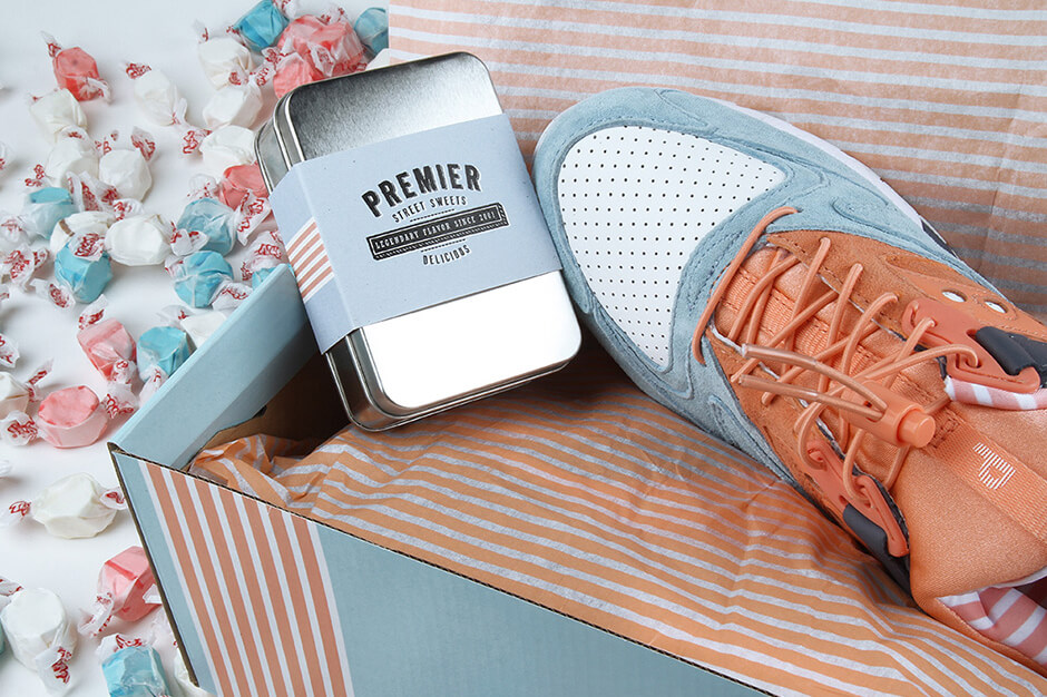 """sneaker packaging - the Saucony x Premier - Grid 9000 - """"Street Sweets"""" - blue/white/peach - S70265-1"""