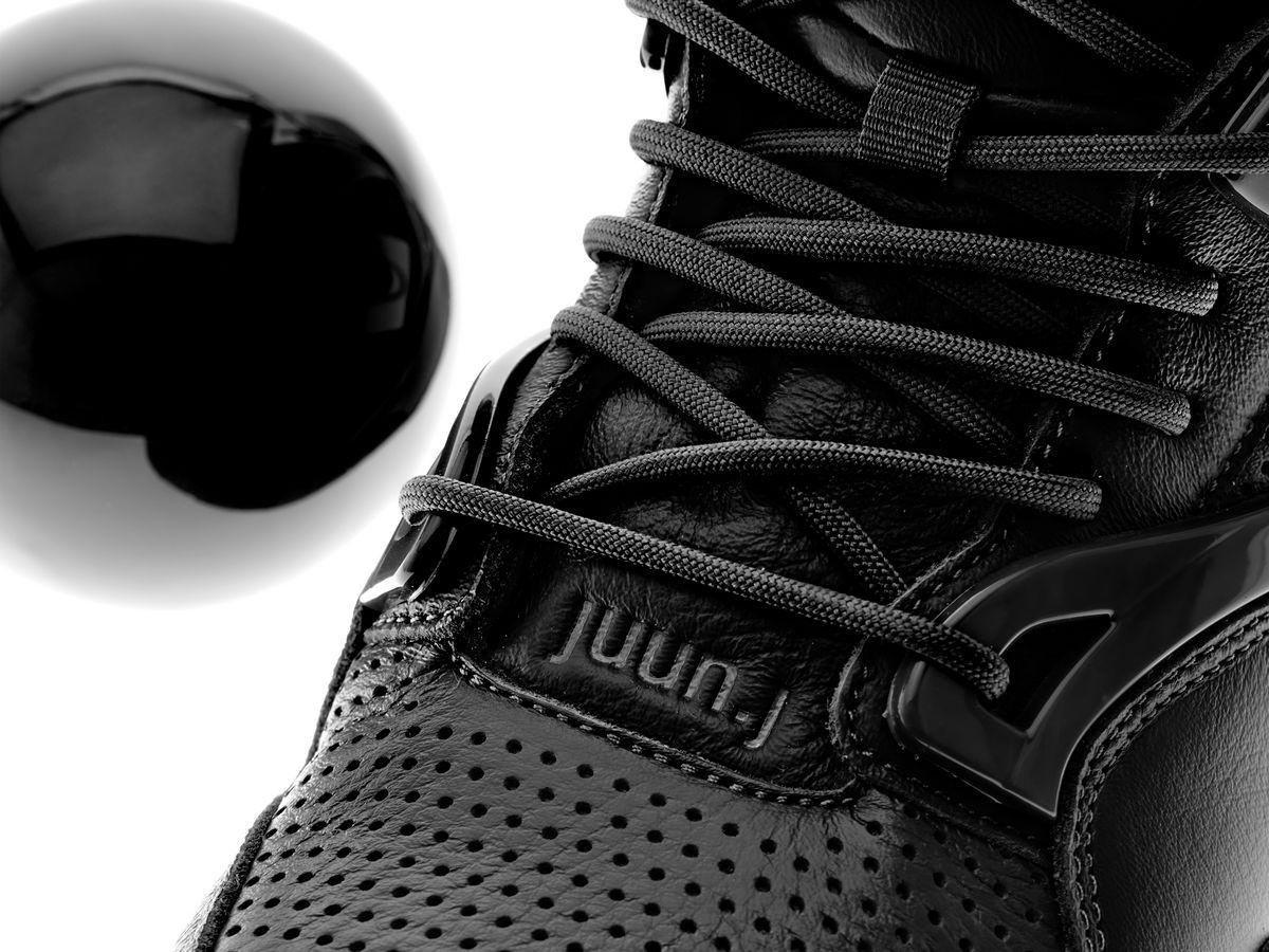 juun.j logo on the Reebok x JUUN.J Pump Omni Zone II - black/cold grey 7/cold grey - GW8004