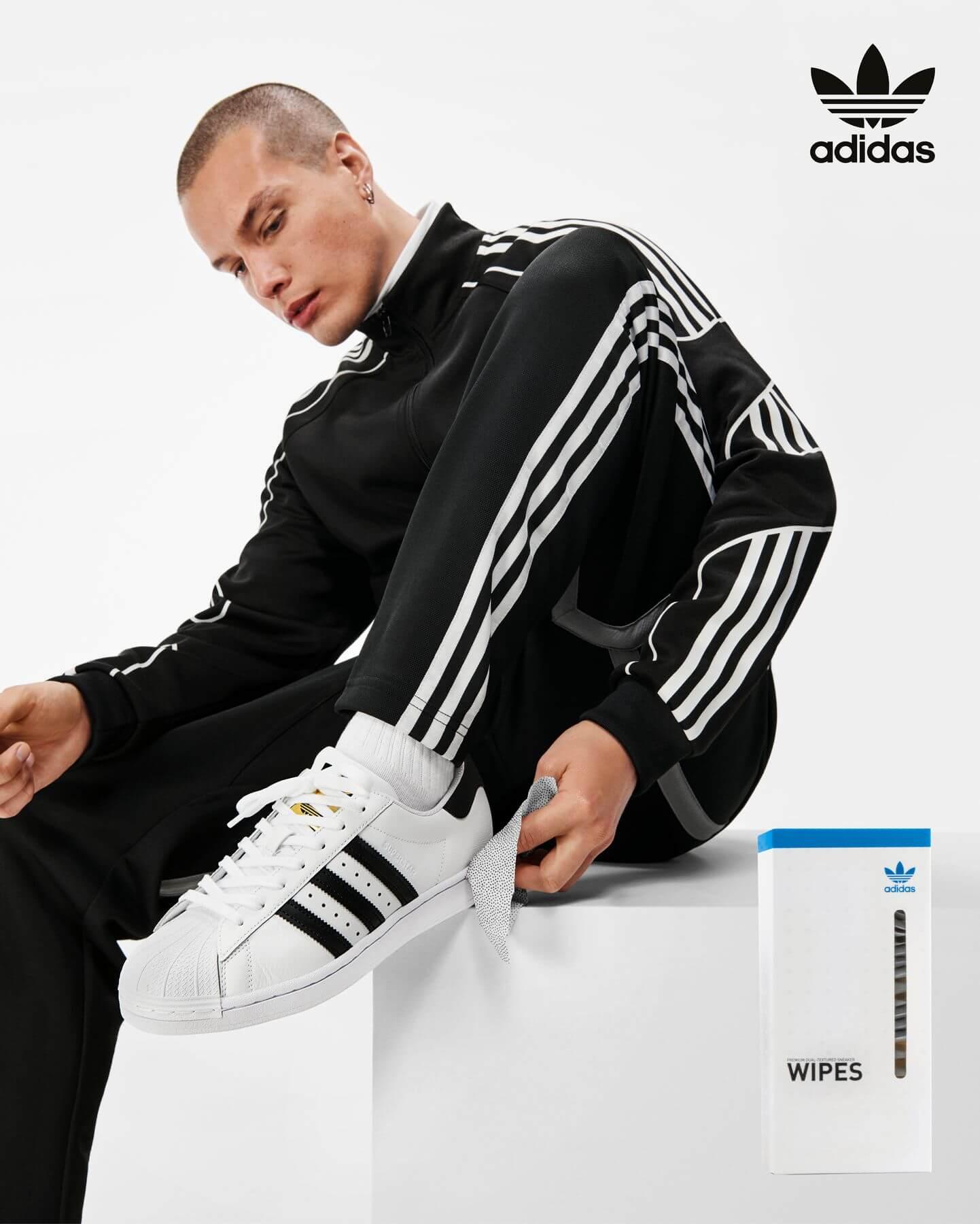 Reinigung des adidas Superstar - adidas Shoe Care - Sneaker Wipes