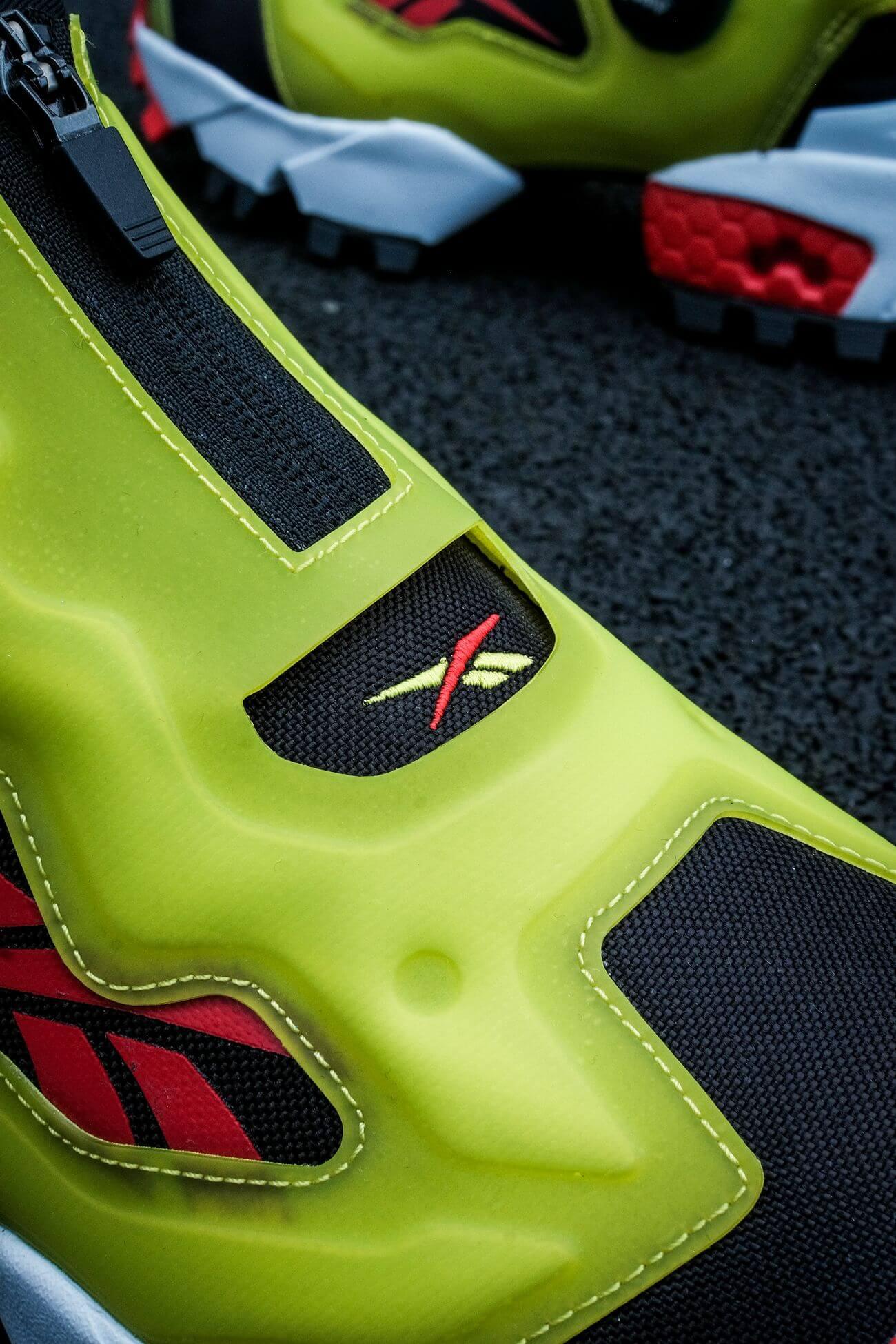 Zipper details of the Reebok - Insta Pump Fury OG Hi Gore-Tex Infinium - black/acid yellow/vector red - S23866