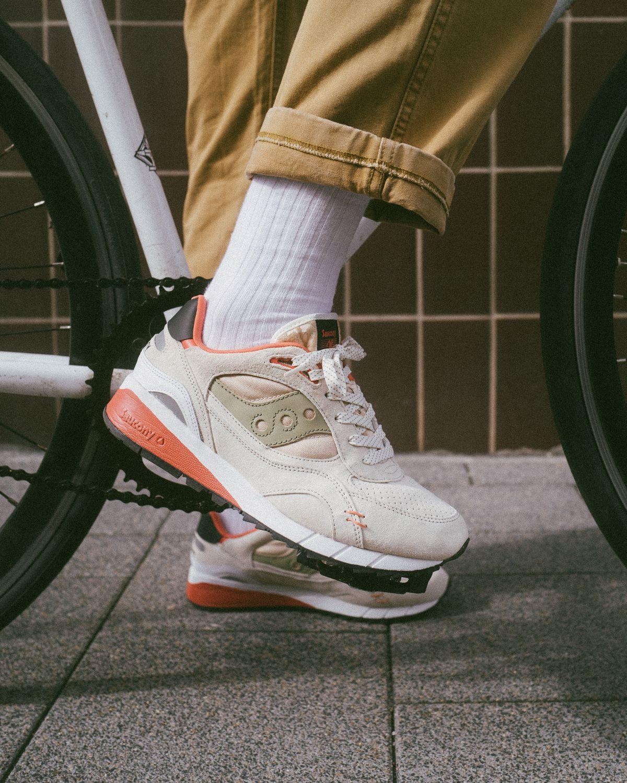 "on feet mit fahrrad, bike - Saucony - Shadow 6000 - ""DestinationUnknown"" - white/clay - S70587-3"