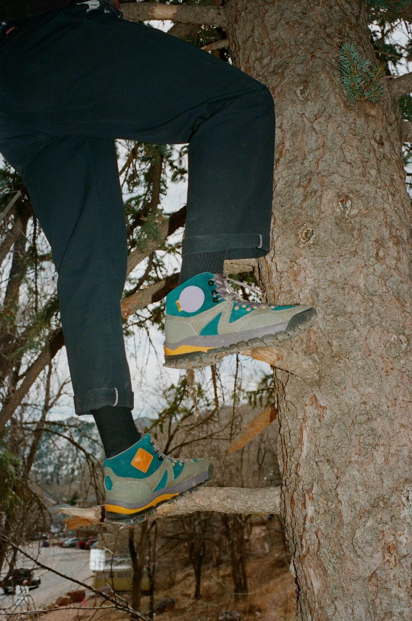 on feet - Vault by Vans x Taka Hayashi - AMZN TRLV3 LX Boot - deep teal/chalk violet