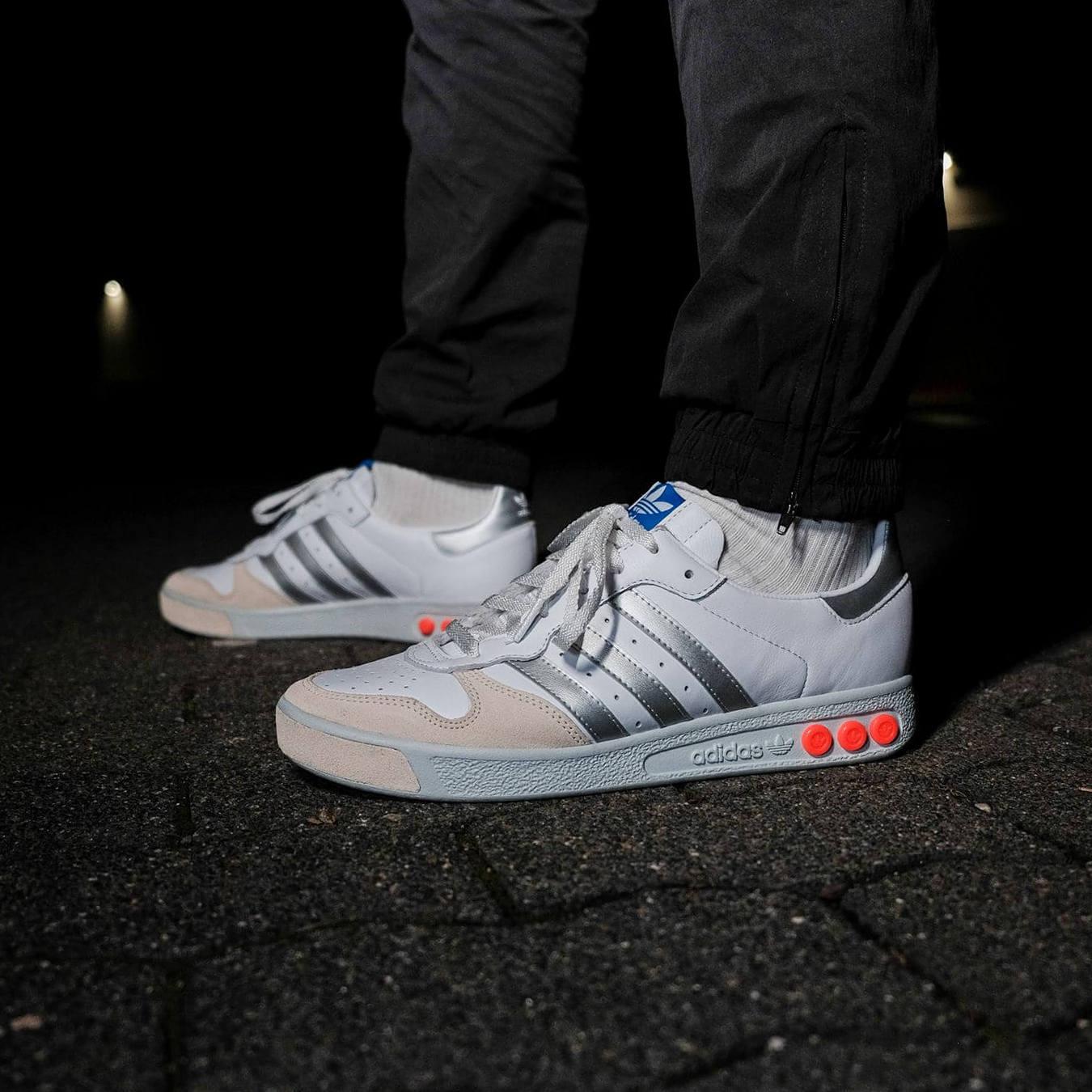 on feet photo - adidas - G.S. - cloud white/silver metallic/wonder white- H01818
