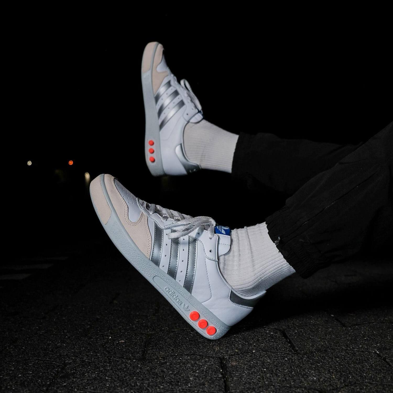 adidas - G.S. - cloud white/silver metallic/wonder white- H01818 on-feet foto