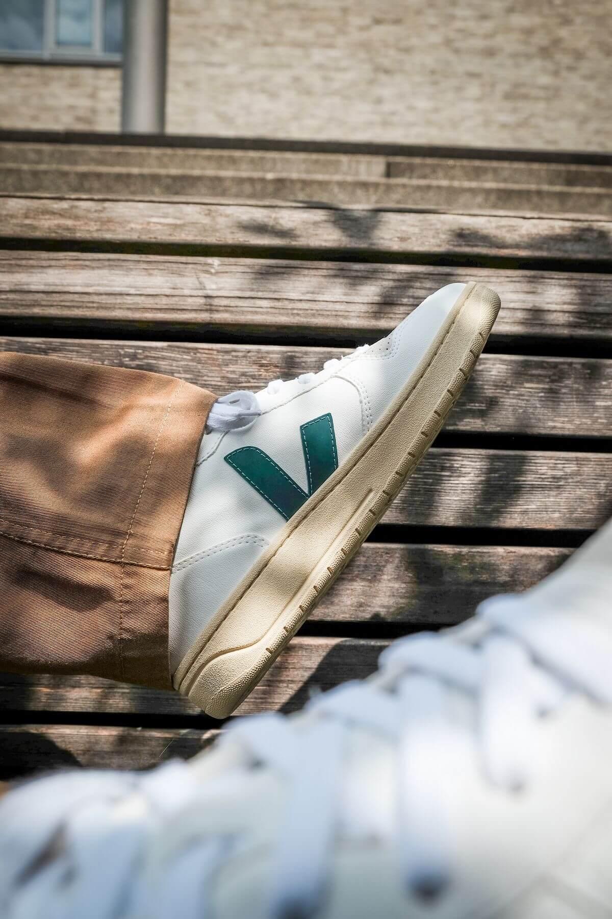 on feet photo - VEJA - V-10 CWL - white/brittany - butter sole - VX072733B