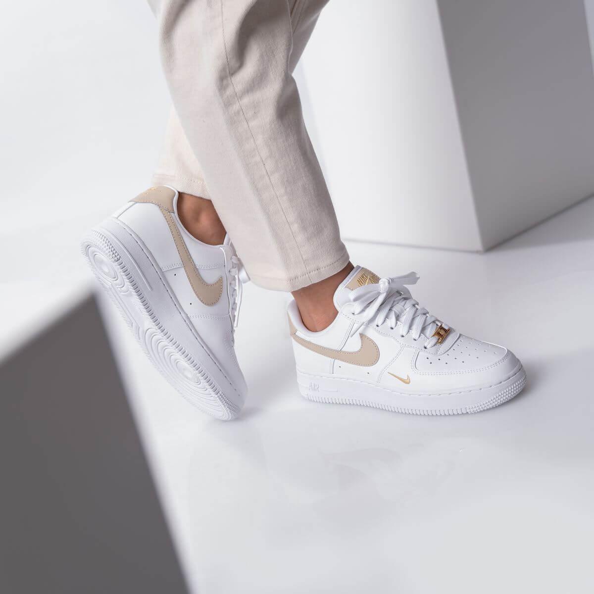 Nike - Wmns Air Force 1 '07 Essential - white/rattan - CZ0270-105