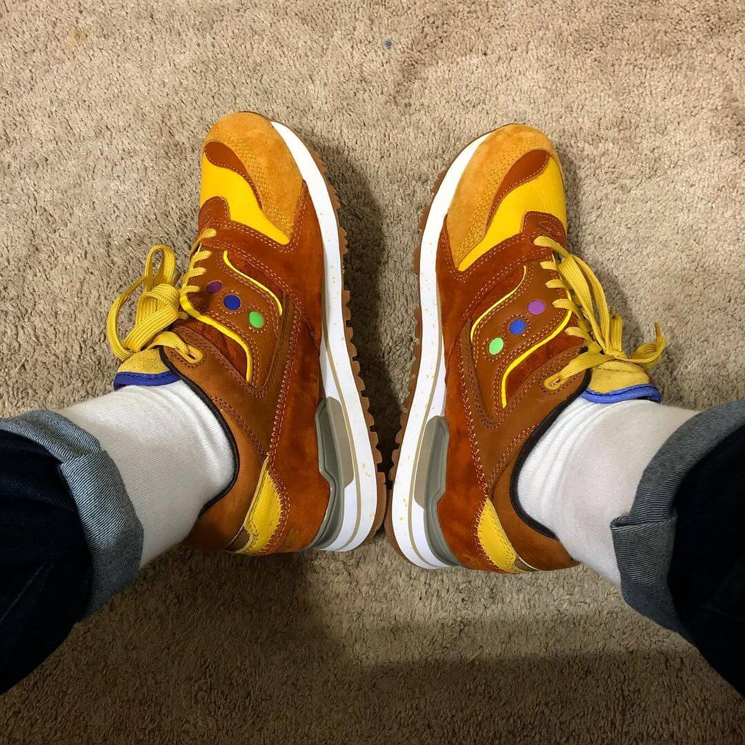 """Saucony x Feature - Courageous - """"Belgian Waffle"""" - yellow/brown - S70323-2"""