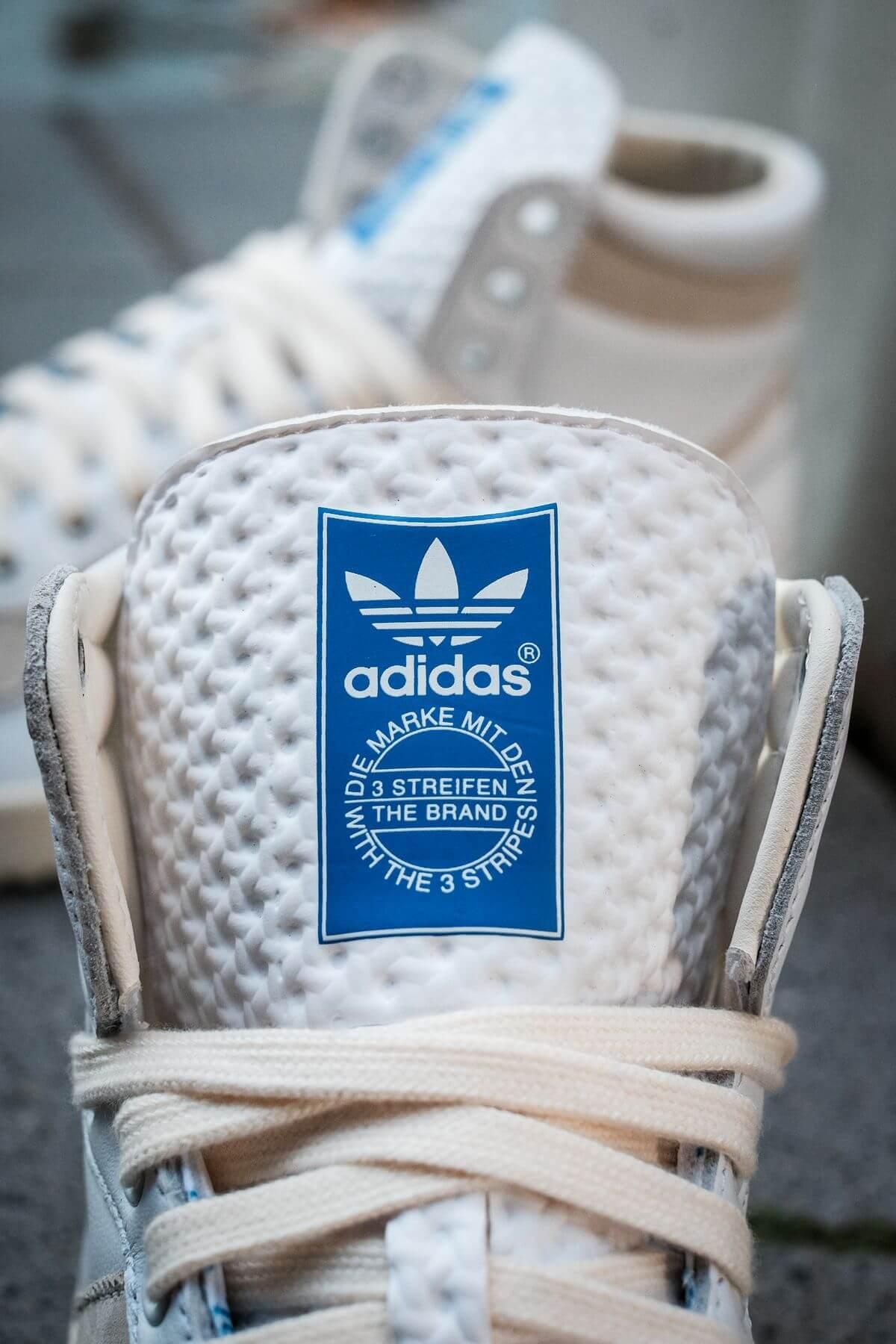 """details, zunge mit adidas logo - adidas - Top Ten - """"Home Of Classics""""- footwear white/chalk white/blue birch - GZ8941"""