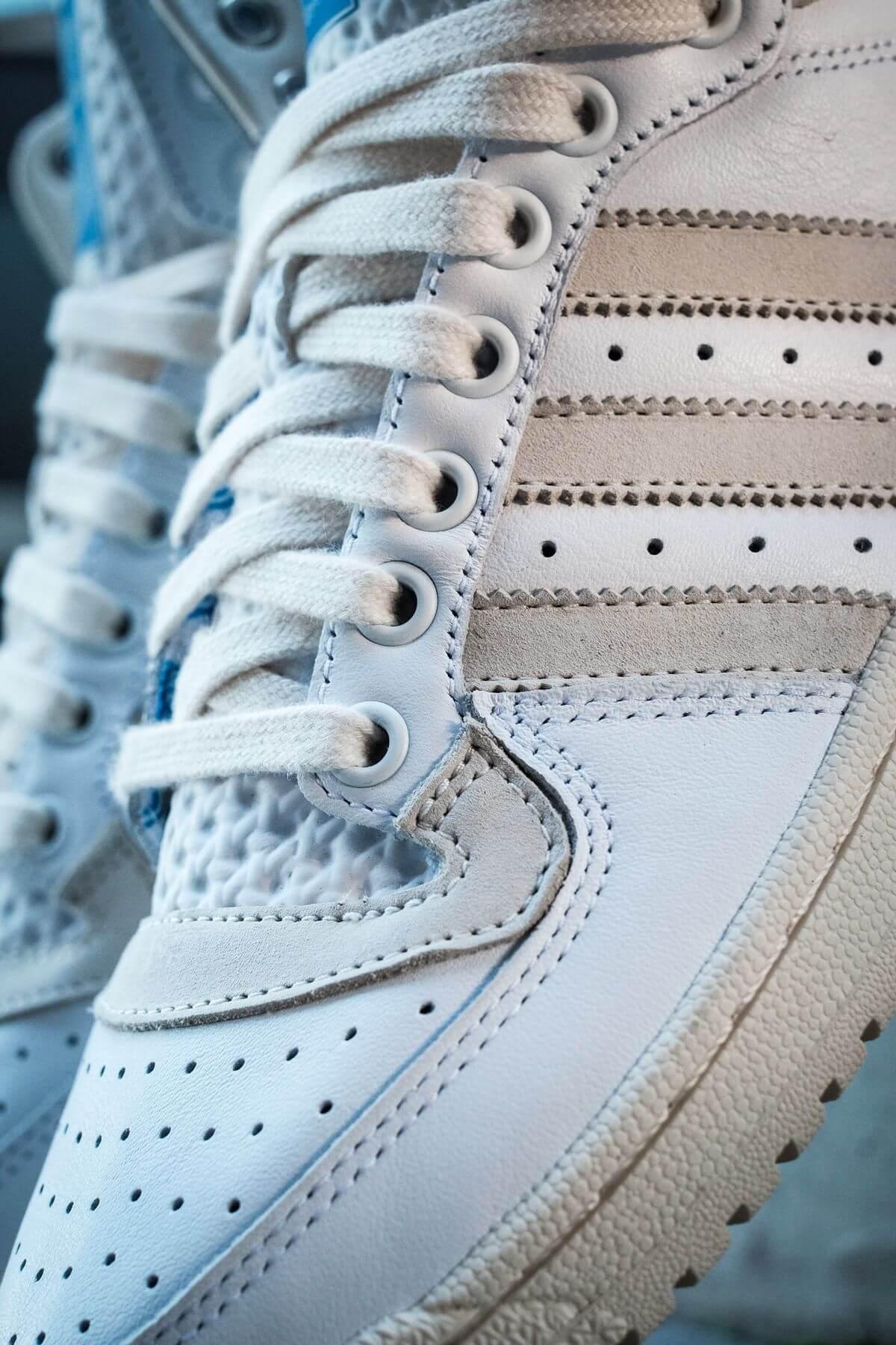 "details, toe box - adidas - Top Ten - ""Home Of Classics""- footwear white/chalk white/blue birch - GZ8941"