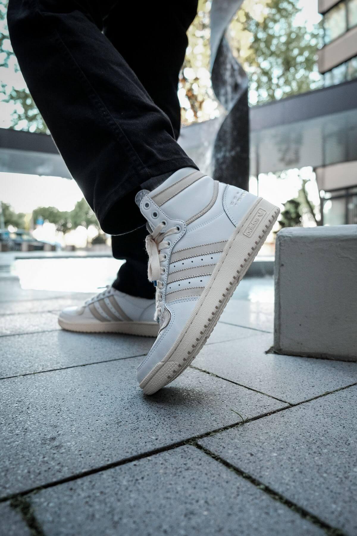 adidas top ten on feet foto