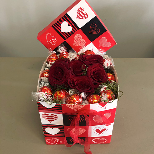 Love Box - Box filled with 6 Red Roses and 12 Chocolates
