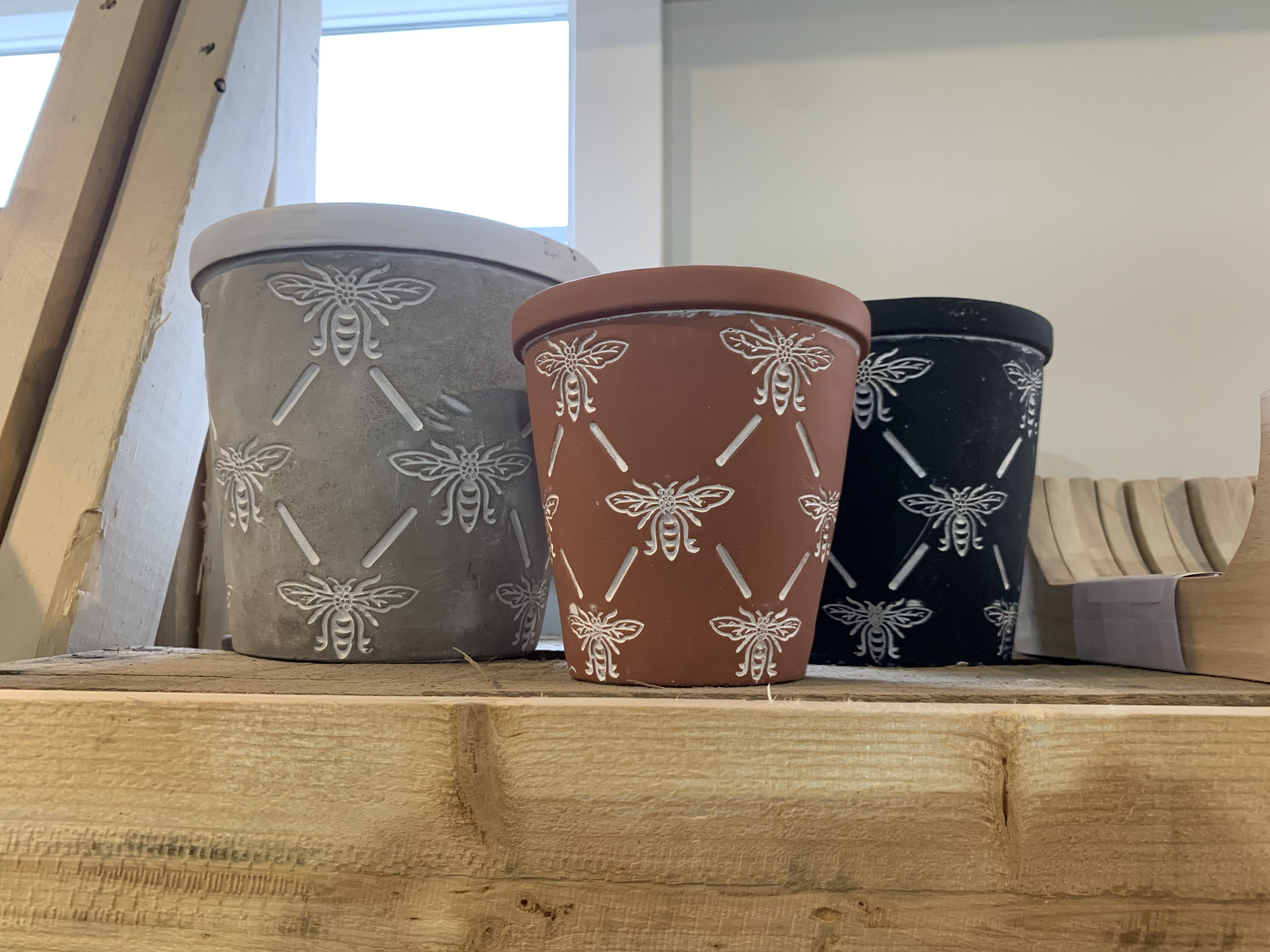 Featuring unique, eye-catching pottery based out of Omaha, NE