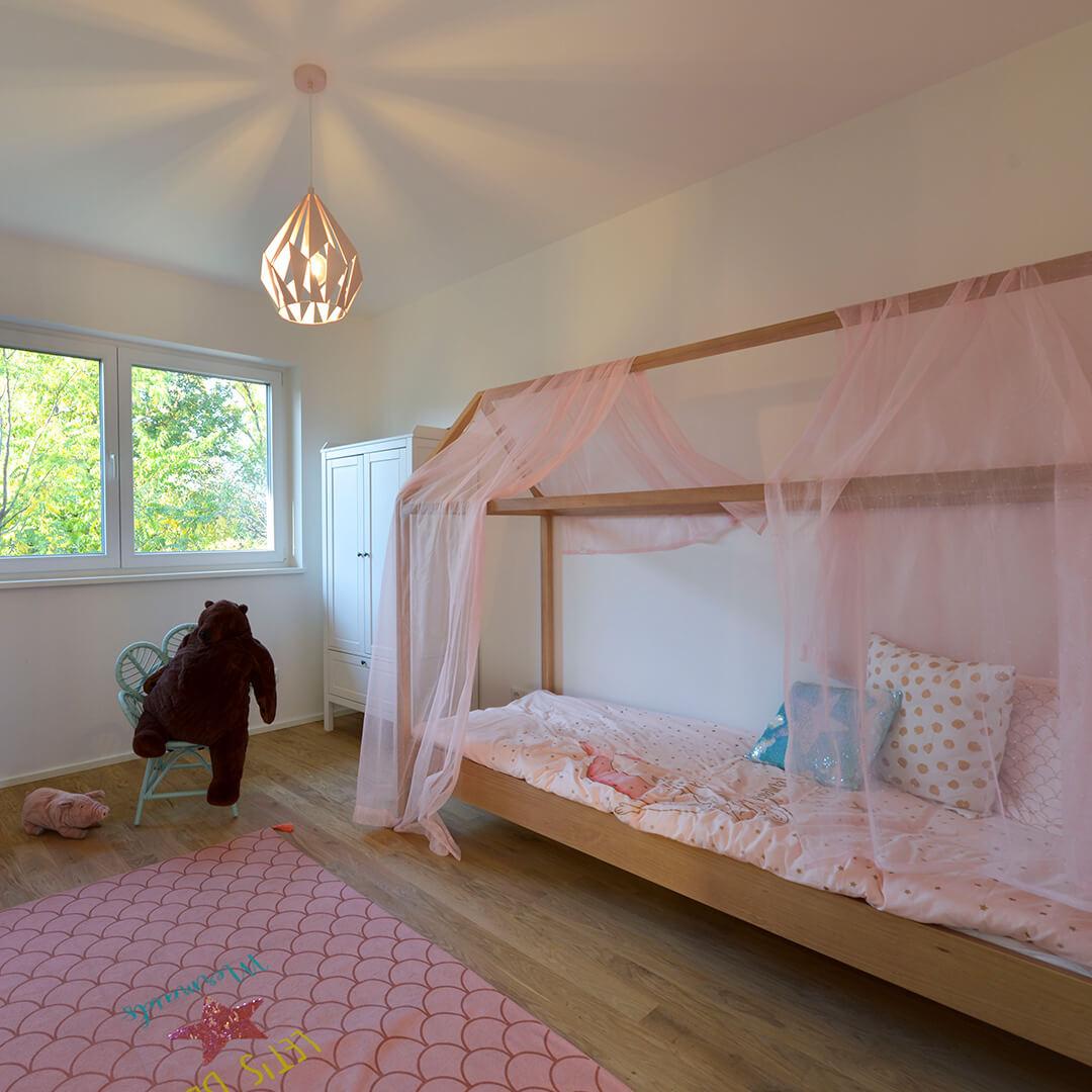 Großzügige Schlaf- und Kinderzimmer