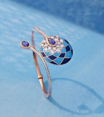Her Story Heart of Blue cuff in 18K rose gold, diamond, lapiz, turquoise and iolite