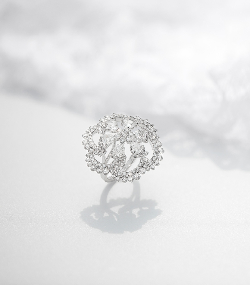 Her Story Whisper in the Wind ring in 18K white gold, solitaires, diamond