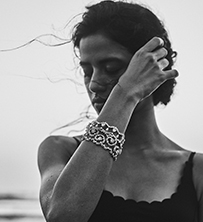 Her Story Whisper in the Wind bracelets in 18K white gold, solitaires, diamond