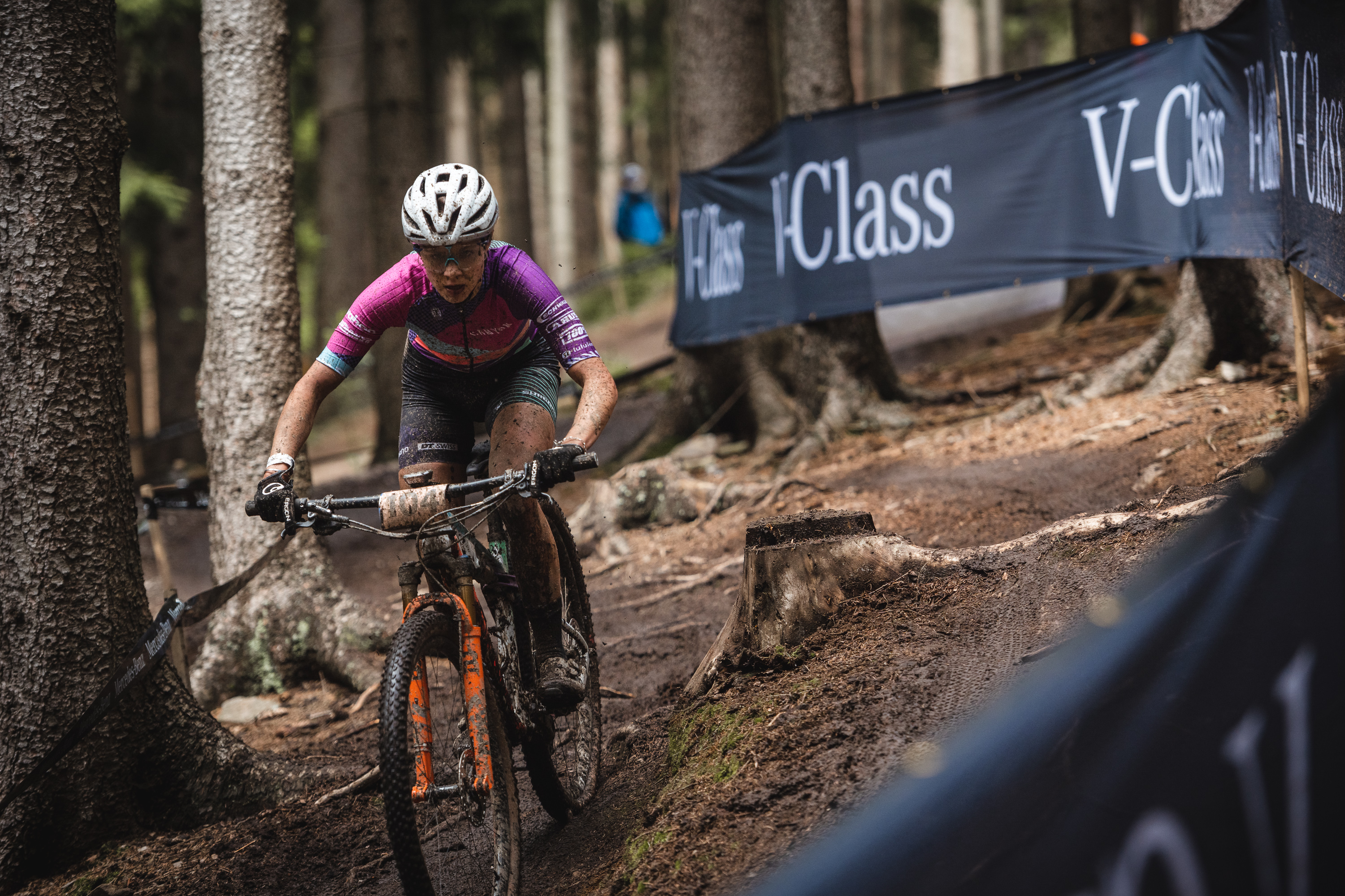 Canyon MTB Racing Slips and Slides to 2 Top-20s in Nové Město