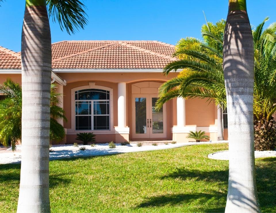 Florida house exterior.