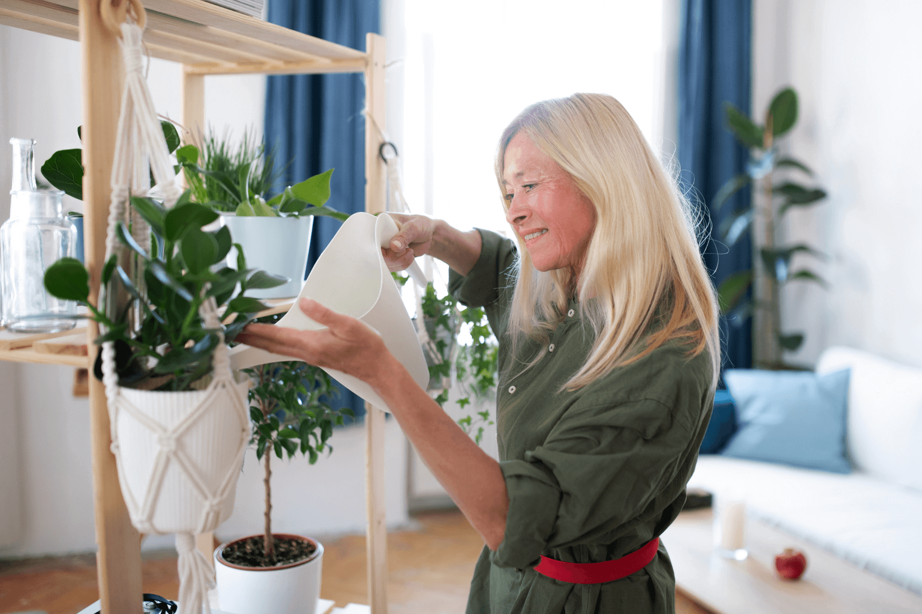 6 Ways to Enjoy Nature Indoors and Out as a Senior