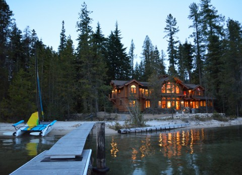 Waterfront Home on Priest Lake by Hendricks Architecture