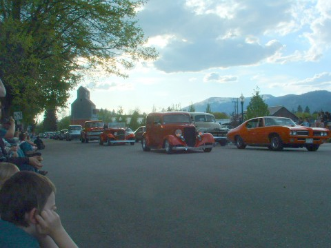 Sandpoint's Lost in the 50′s Parade