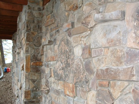 Full stone mixed in with thin stone to achieve more texture.