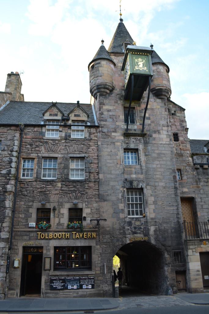 Hogwarts Castle Architecture of Tollbooth Tavern in Edinburgh