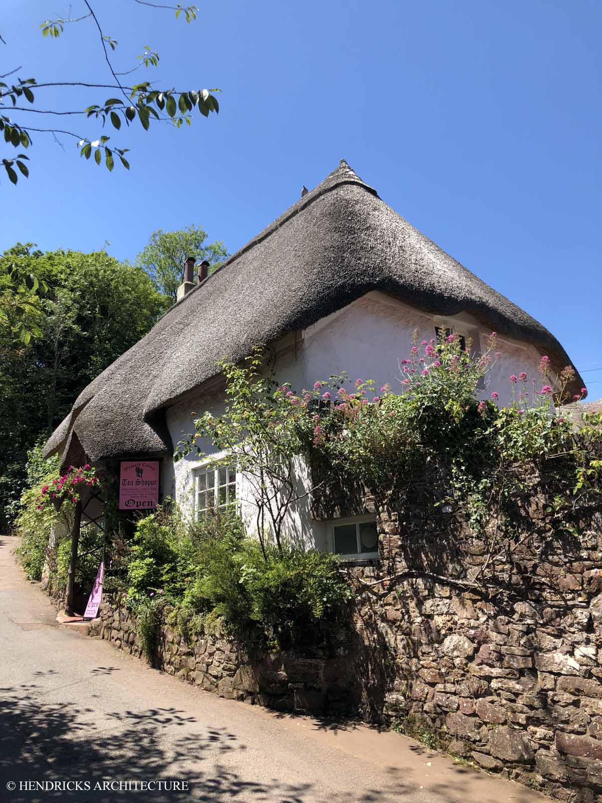 Home with thatch roof in Cockington Village