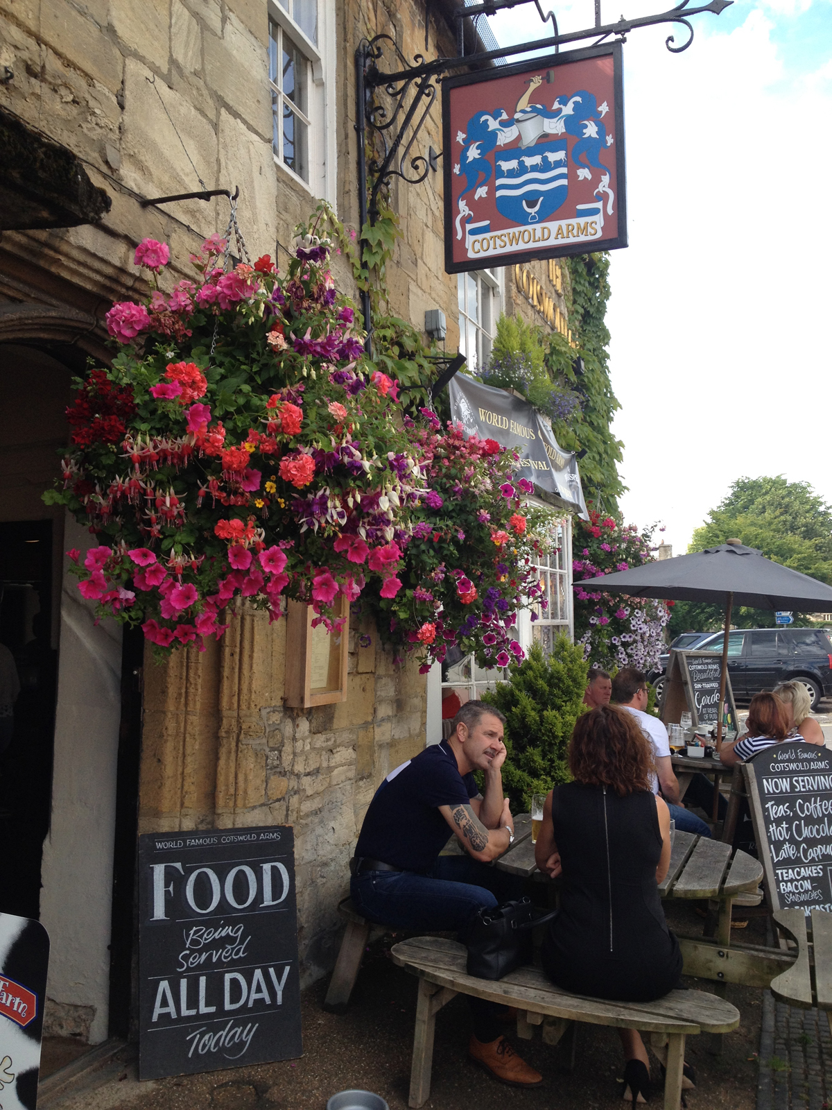 Cotswold Arms Pub in Burford Old World Village