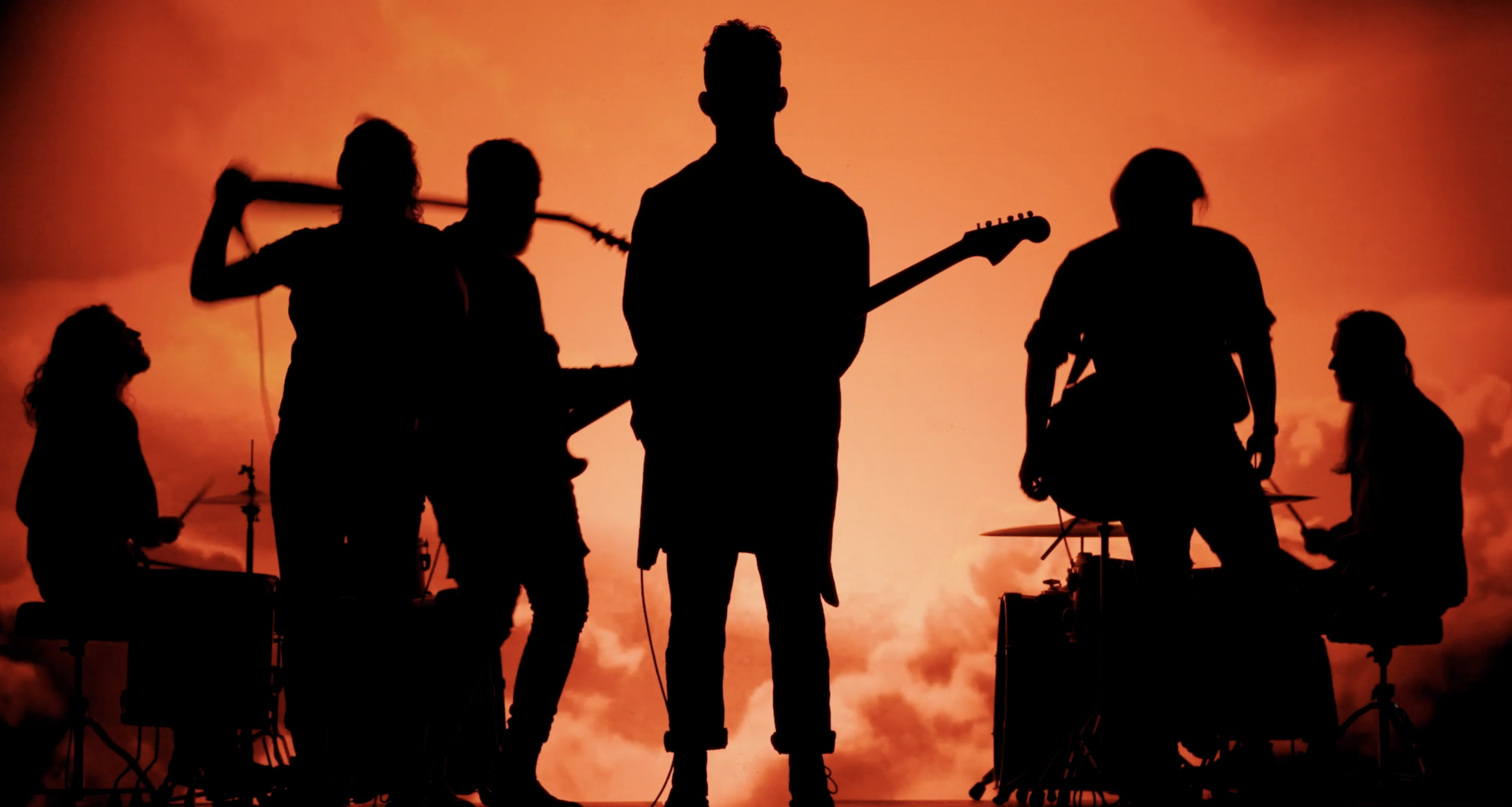 Thumpers silhouette during their music video