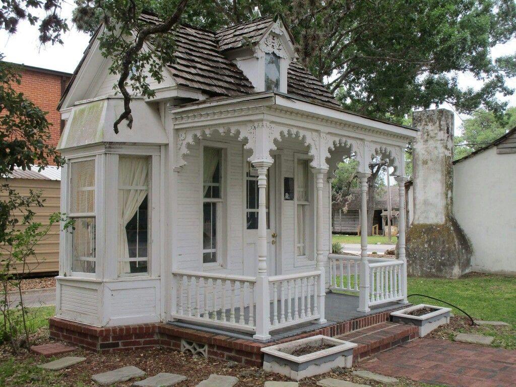 Dietz Doll House.