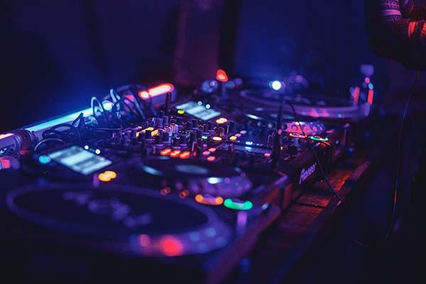 Musik und DJ im forum M